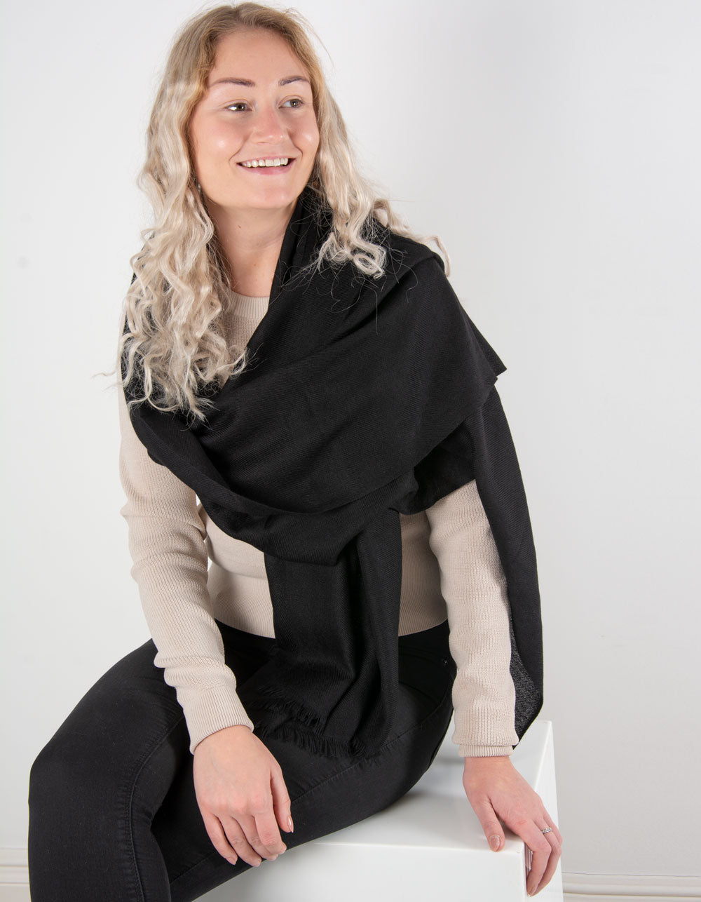 an image showing a pure cashmere pashmina in black