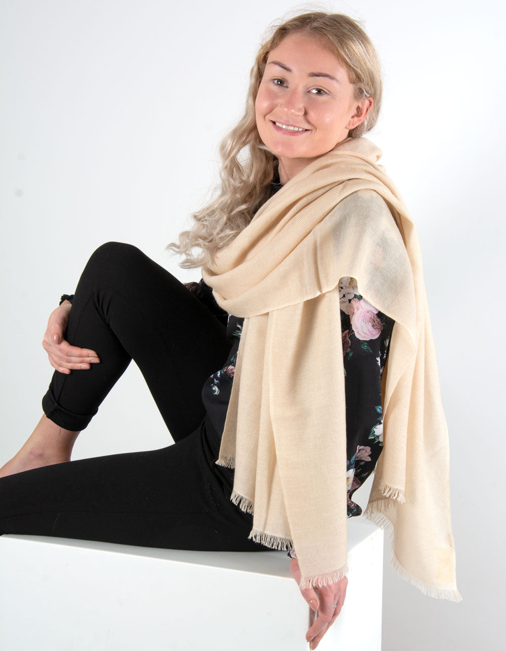 an image showing a pure cashmere pashmina in cream