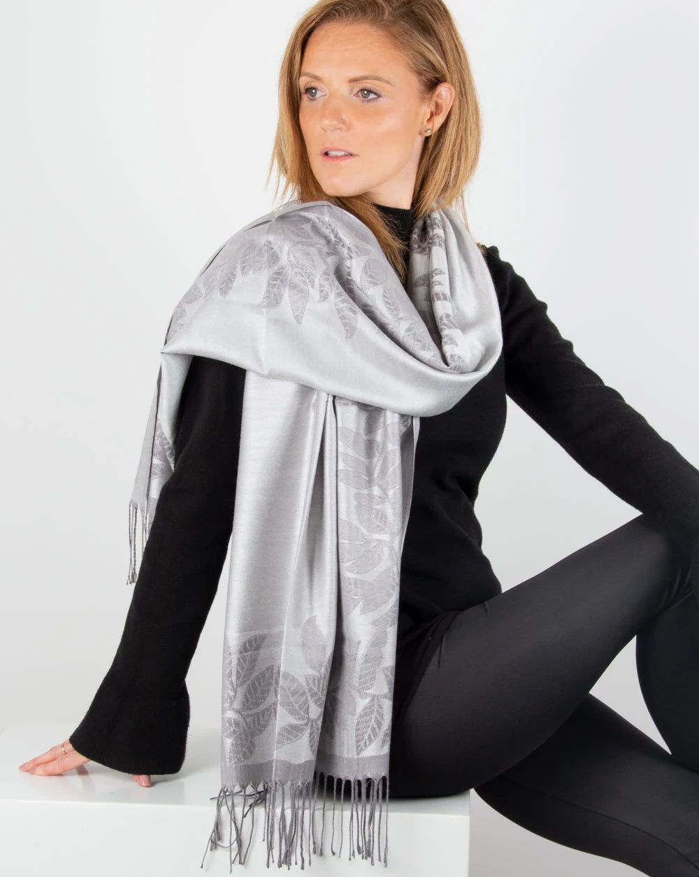 an image showing a silver-and-grey-leaf-print-border-pashmina