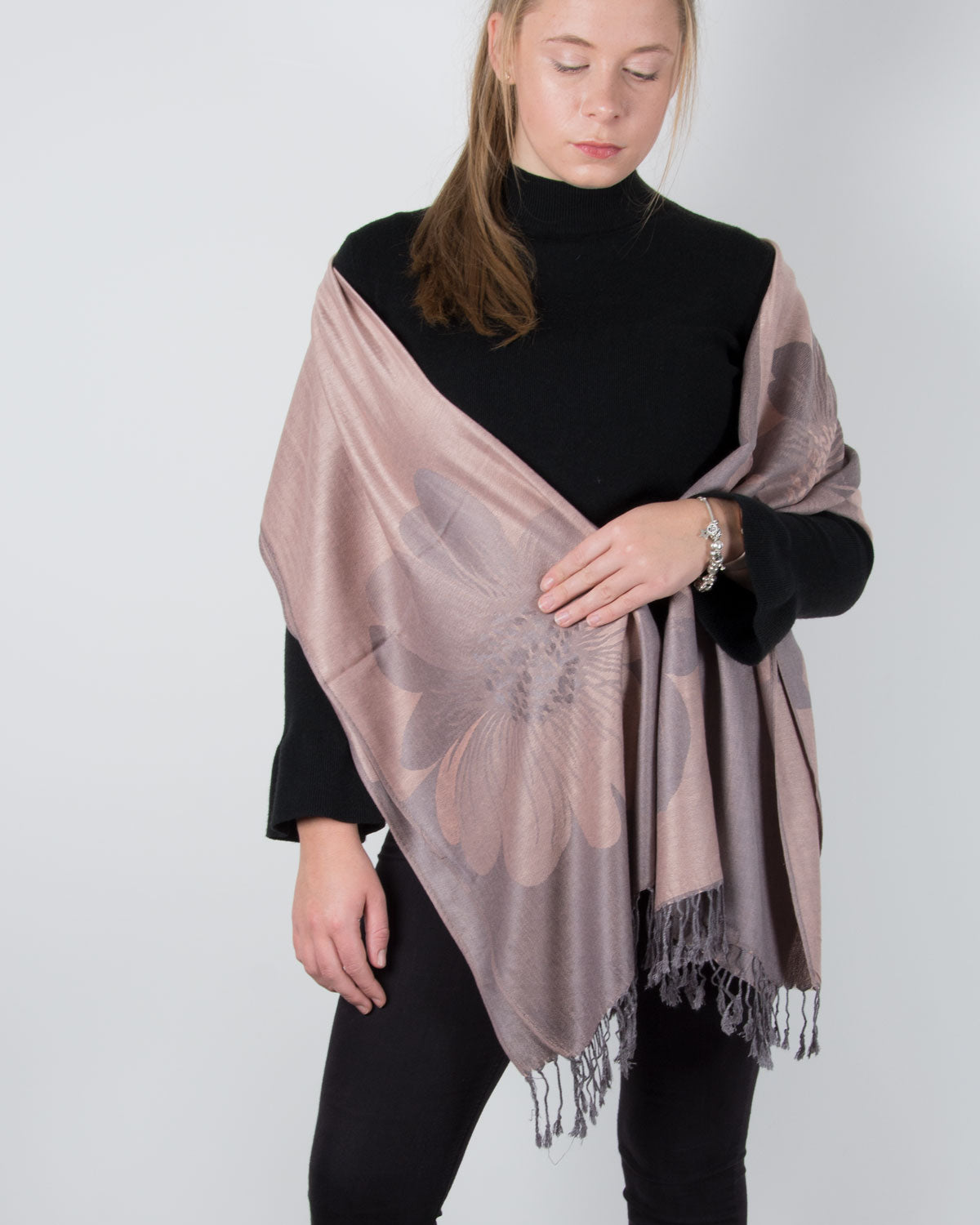 an image showing a pink and grey pashmina