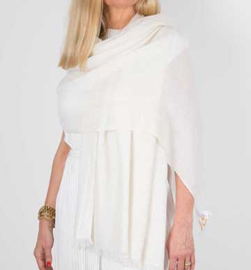 an image showing a cashmere wedding pashmina in ivory
