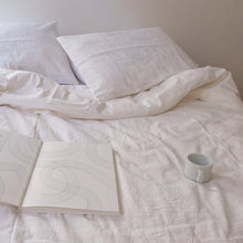 Load image into Gallery viewer, Duvet cover in White