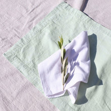 Napkin set in White