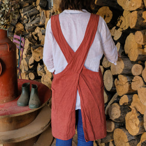 Olivar Apron in Burgundy