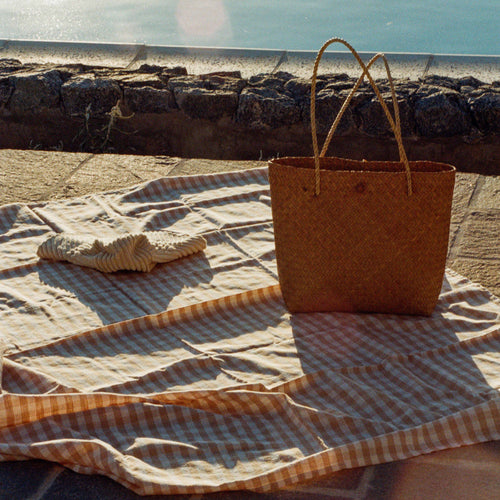 The Vichy linen beach blanket in Dune