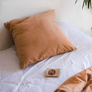 Pillow slips set in Nut