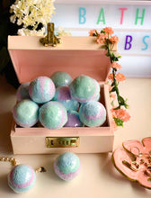 Load image into Gallery viewer, White Tea Bath Bomb