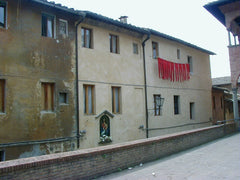 Red stockings in Siena
