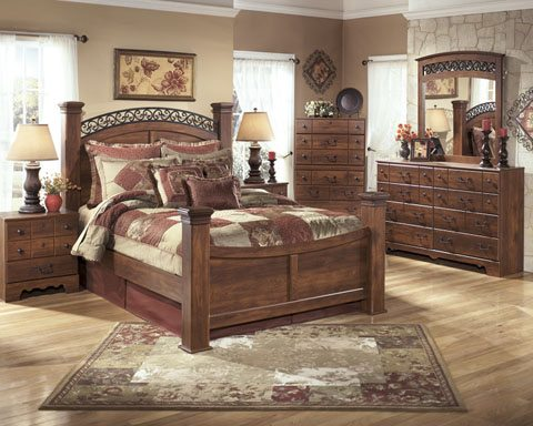 Ashley B258 Timberline Queen Poster Bed