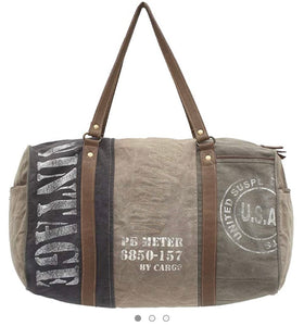 Myra Vintage USA Print Traveller Bag