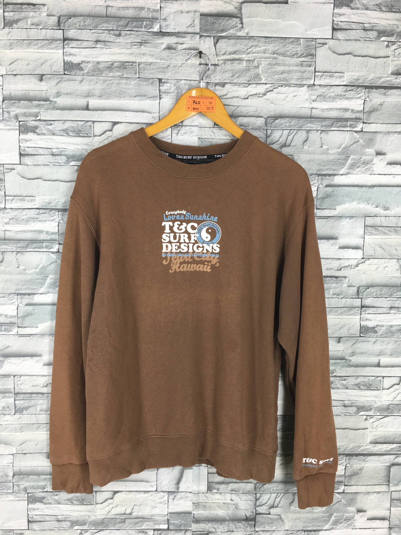 8c341e7144749 T C SURF Designs Men Medium Jumper Brown Crewneck Vintage 90 s Tnc ...