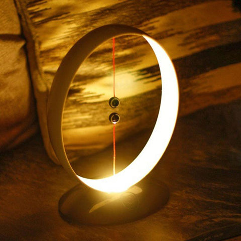 Hot Magnetic Suspension Heng Balance Lamp (USB Powered)