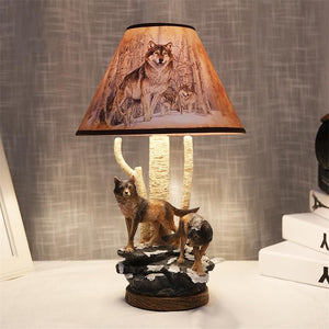 Wolf Shape Resin Table Lamp
