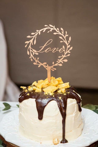 Rustic Stable Wedding Cake