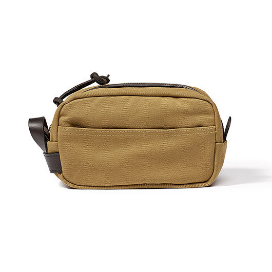 Filson Travel Kit in Tan