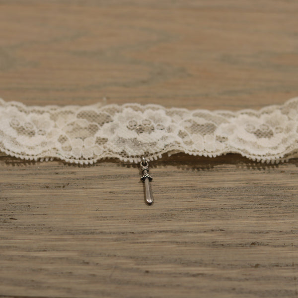 Bloodstone Jewels Ladies Big Lace Choker in Beige