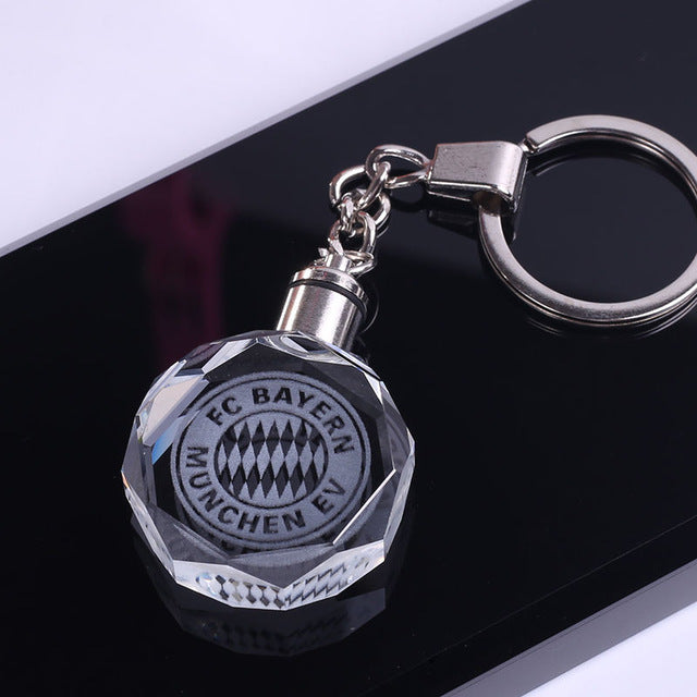 CRYSTAL KEYCHAIN WITH A SPORT TEAM
