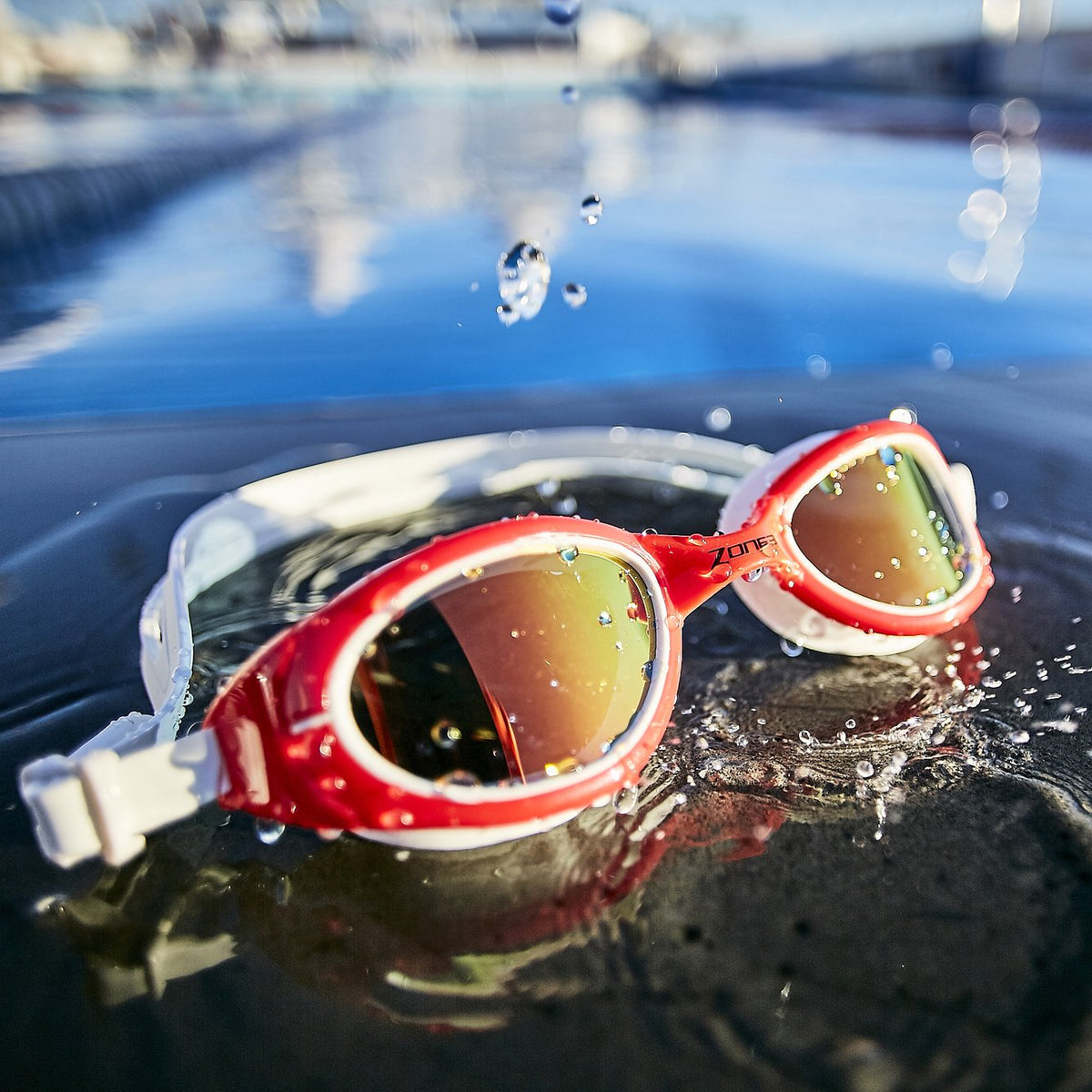 Attack Swim Goggles red wet