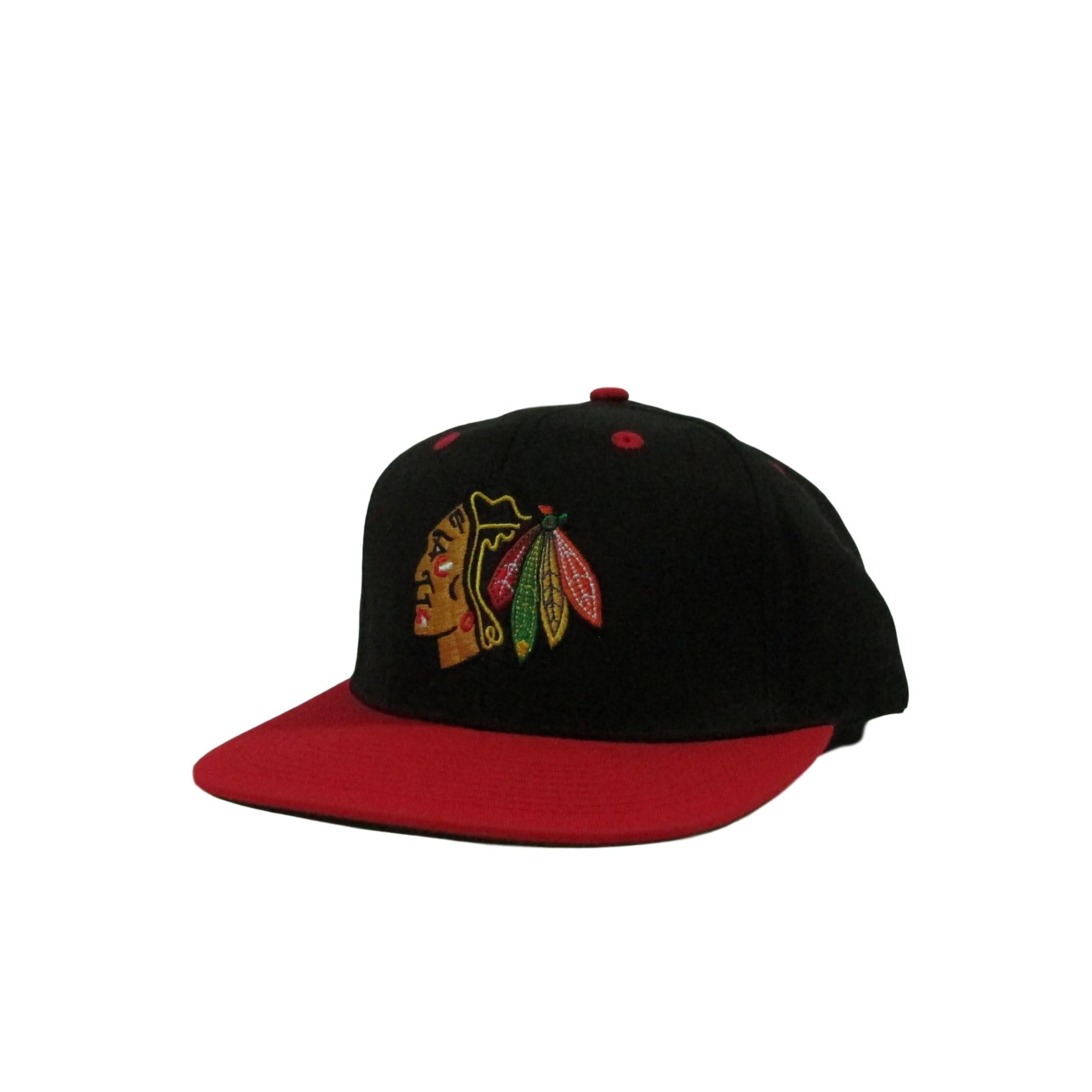 Chicago Blackhaws XL Logo Vintage Hockey Snapback Hat
