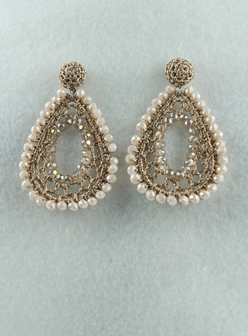 Beige and gold pearl knitted tear drop earrings