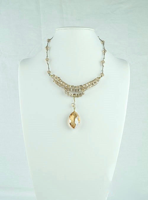 Light brown drop necklace