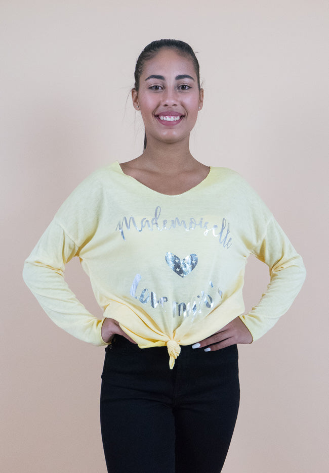 Long sleeves yellow sweater