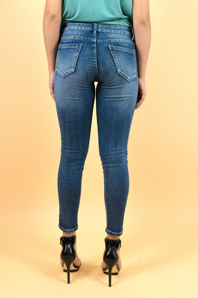 Show off Jeans Beautiful dark washed distressed skinny jeans with rhinestones embellished one pocket