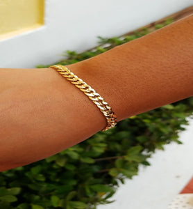 Fit For a Queen Gold Plated Bracelet - Trendznstuff