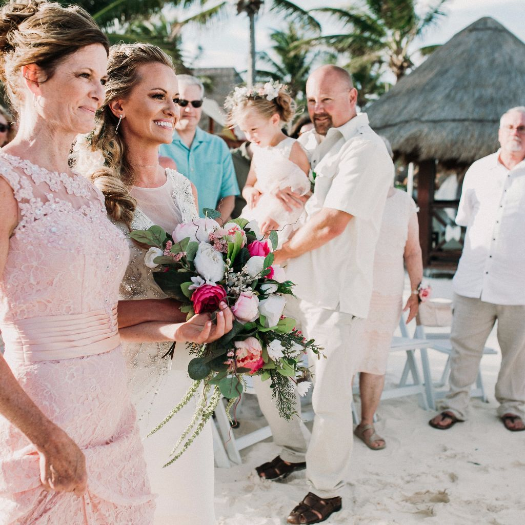 8 Reasons to Use Silk Bouquets for your Destination Wedding
