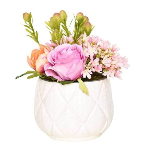 Lovely_Arrangement_Design_With_Artificial_Flowers