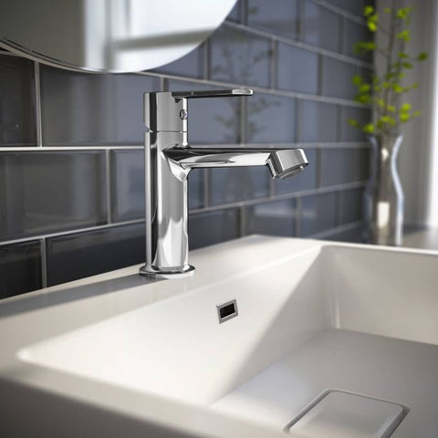 Oze Single Hole Faucet With Pop-Up Drain