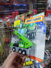 Load image into Gallery viewer, Matchbox Working Rigs MBX Service Crane