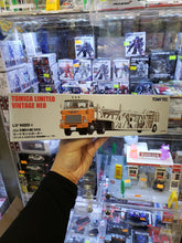 Load image into Gallery viewer, Tomy Tomytec Tomica Limited Vintage Neo LV-N89d Hino HE 366 Car Transporter 1/64