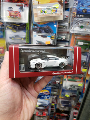 Tarmac ignition model 1:64 Pandem TRA Racing Nissan GT-R Metallic White ig1398