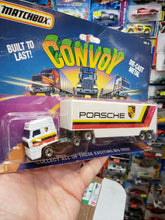 Load image into Gallery viewer, Matchbox Convoy Big Rigs Porsche Cab Trailer