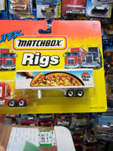 Load image into Gallery viewer, Matchbox Super Rigs Pizza Hut Trailer