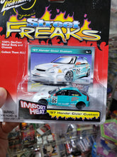 Load image into Gallery viewer, Johnny Lightning 1/64 Honda Civic Custom 97 Import Heat