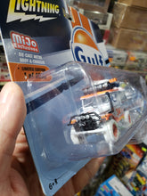 Load image into Gallery viewer, Johnny Lightning 1/64 Mijo Exclusive Gulf 1980 Toyota Land Cruiser with Boat and Trailer Chase White Lightning