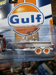 Johnny Lightning 1/64 Mijo Exclusive Gulf 1980 Toyota Land Cruiser with Boat and Trailer Chase White Lightning
