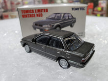 Load image into Gallery viewer, Tomy Tomica 1/64 Limited Vintage TLV LV-N08b Toyota 86