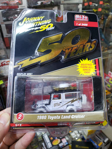 Johnny Lightning 1/64 #2 1980 Toyota Land Cruiser White Lightning Chase