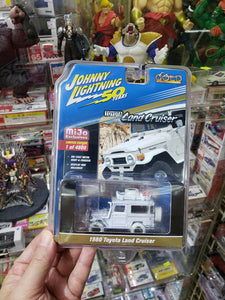 Johnny Lightning Mijo Exclusive Gold Chase Edition 1980 Toyota Land Cruiser White Lightning Chase