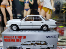 Load image into Gallery viewer, Tomica Limited Vintage 1/64 TLV LV-198a Nissan Gloria HT V20 Granage White