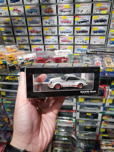 Model Collect 1:60 RWB RAUH-Welt BEGRIFF Porsche 930 Ducktail White