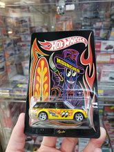 Load image into Gallery viewer, Hot Wheels 1/64 Japan Yokohama Custom 71 Datsun 510 Wagon Mooneyes Facing Right ( Free Shipping Worldwide !!! )