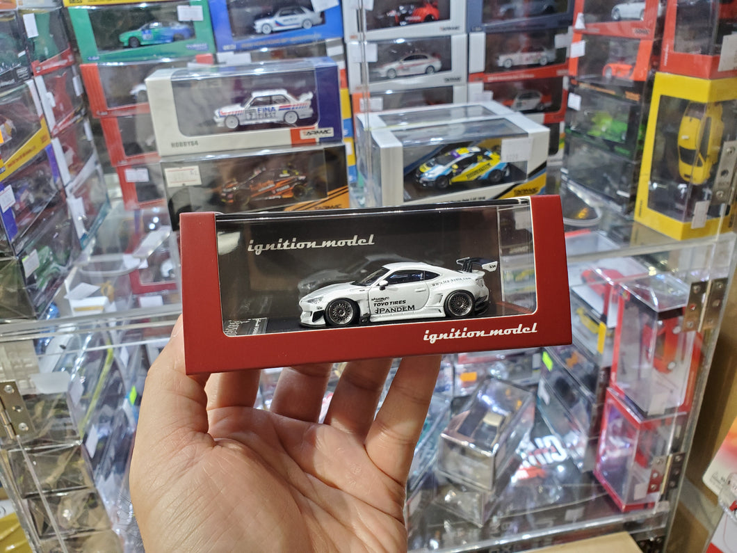 Tarmac ignition model 1:64 Pandem TRA Racing IG1750 Toyota 86 V3 White Metallic Japan Exclusive