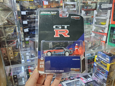 Tarmac Works x Greenlight 1:64 Nissan Skyline R34 Loctite 1999 Chase