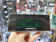 "Load image into Gallery viewer, Inno64 Nissan Skyline GT-R R32 #87 ""HKS"" (JTC 1992)"