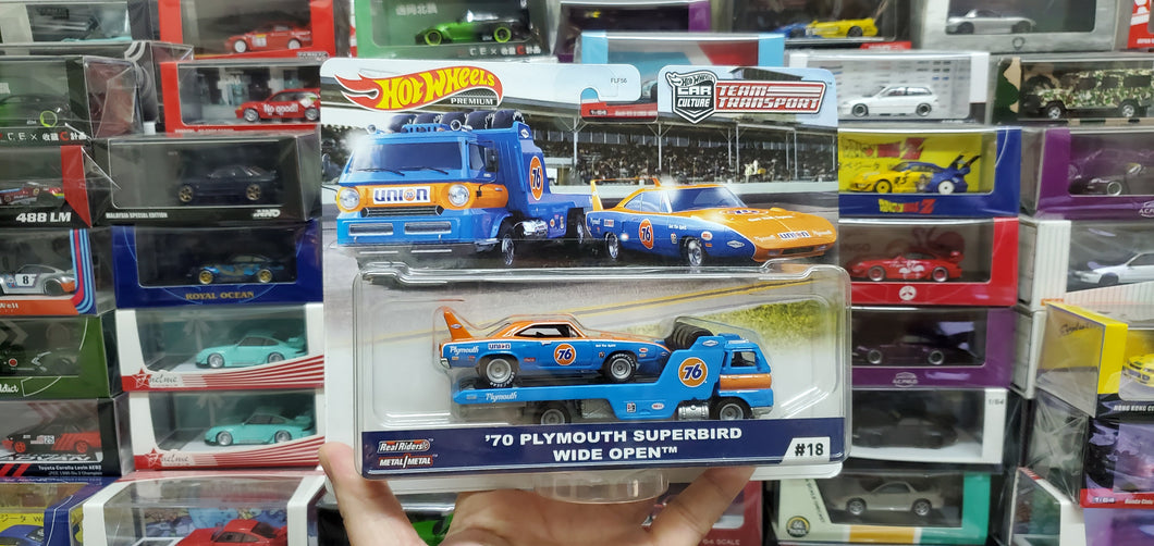 Hot Wheels Team Transport 70 Plymouth Superbird Wide Open, New! #18 Real Riders!