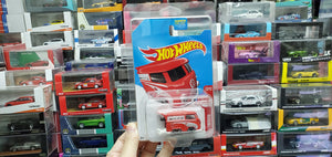 Hot Wheels 2017 Target Exclusive Kool Kombi Red Color ( Protector Included )